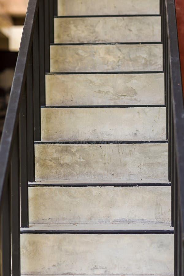 Passos concretos Textura da escada Escada do concreto do cimento Escadas concretas modernas abstratas ? constru??o etapa das esca fotografia de stock royalty free