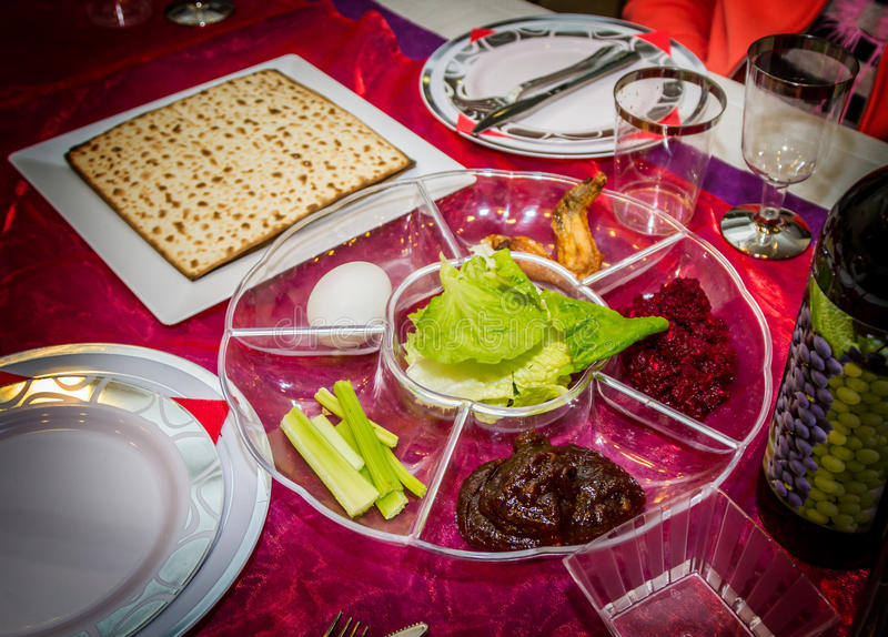 Passover seder talerz, żydowski wakacje zdjęcia royalty free