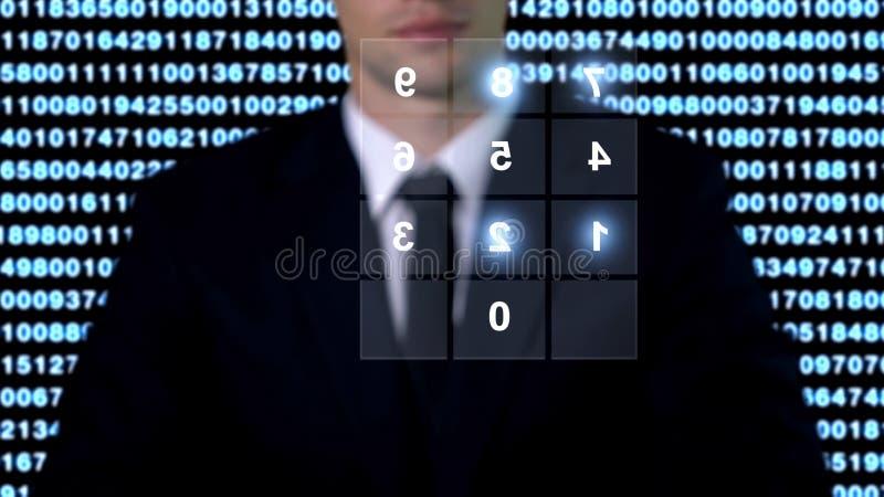 Password di sicurezza sullo schermo, uomo in ritardo, concetto di accesso alla base dati fotografia stock