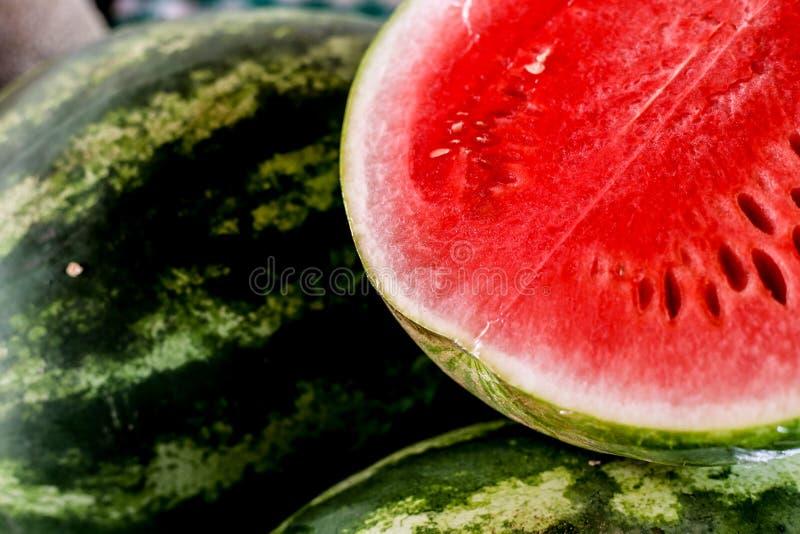pastèque organique coupée en tranches de ‹d'†de ‹d'†image libre de droits