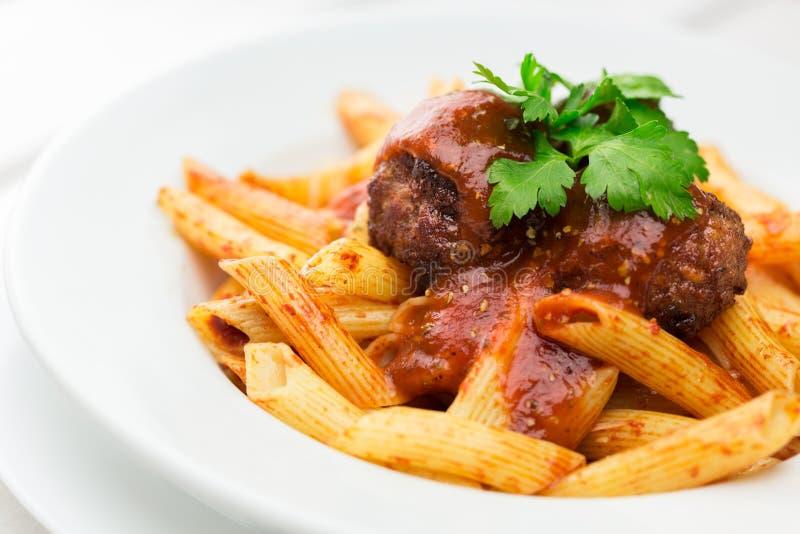 Download Pasta fotografia stock. Immagine di piastra, gourmet - 117981462