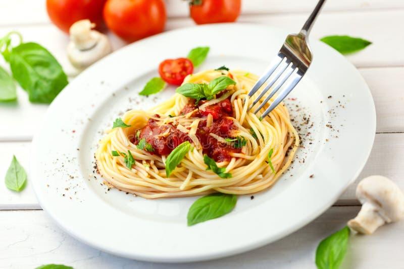 Download Pasta fotografia stock. Immagine di cucinato, bianco - 117981510