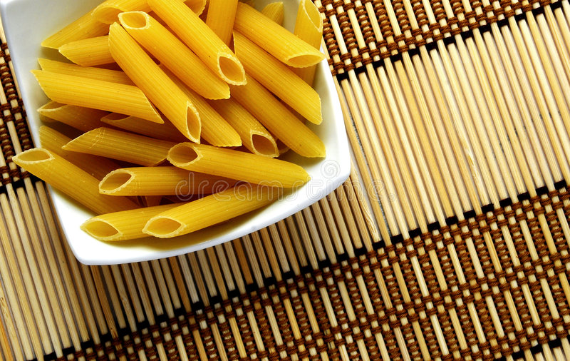 Download Pasta immagine stock. Immagine di secco, arco, carboidrato - 3888979