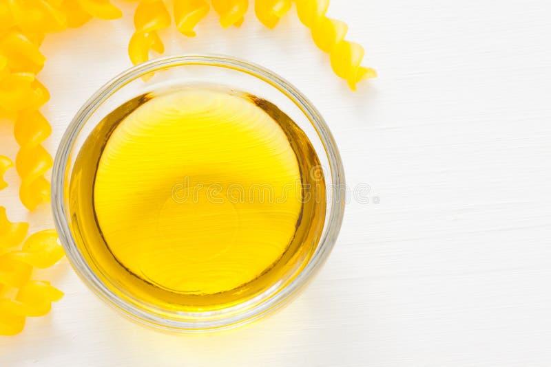 Pasta amarela italiana imagem de stock royalty free