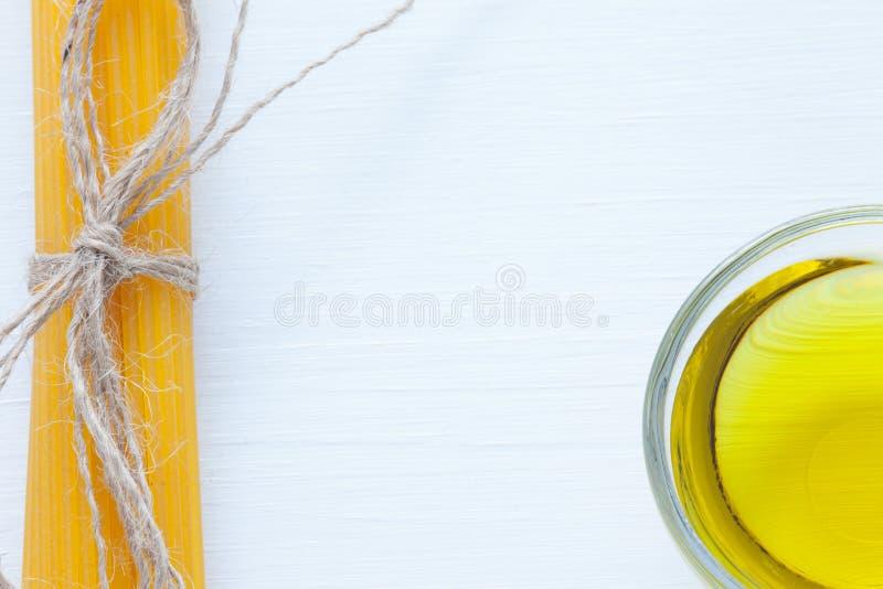 Pasta amarela italiana fotos de stock royalty free