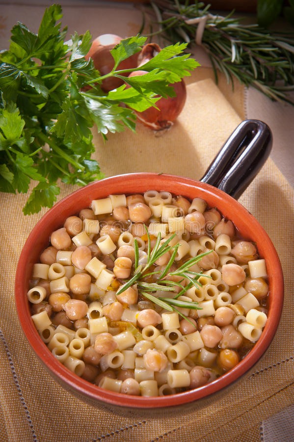 Free Pasta And Chickpeas Royalty Free Stock Images - 22502689
