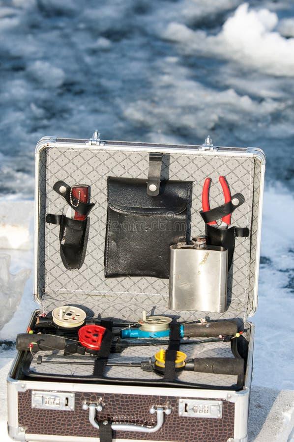 pasta com os acessórios que pescam a pesca do gelo Cazaquistão, Alma fotos de stock