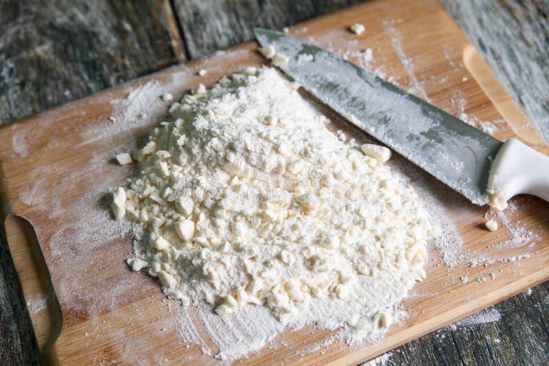 Pasta cruda fresca de la torta dulce prepararse fotos de archivo libres de regalías