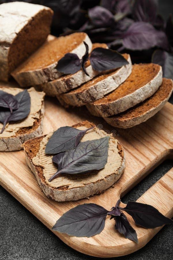 Pasta de fígado do pato, aperitivo caseiro fotografia de stock royalty free