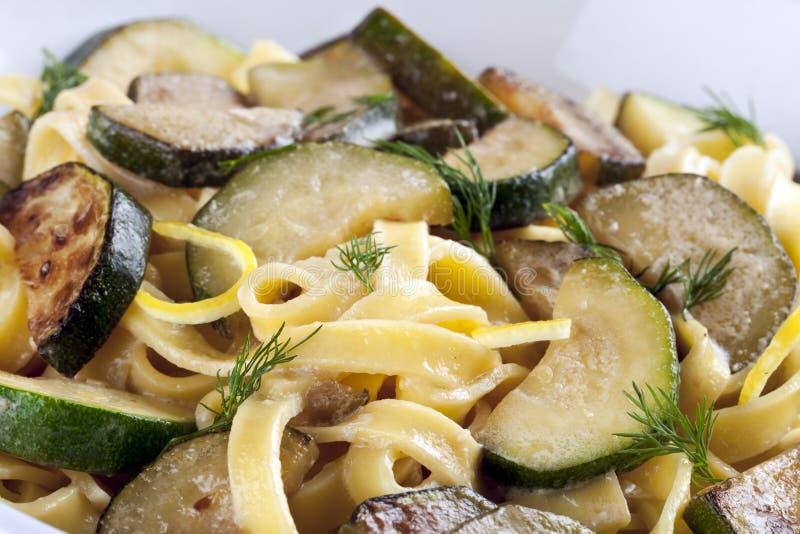 Pasta dello zucchini immagini stock libere da diritti