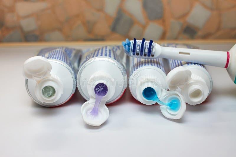 Pasta do zębów i toothbrush fotografia stock