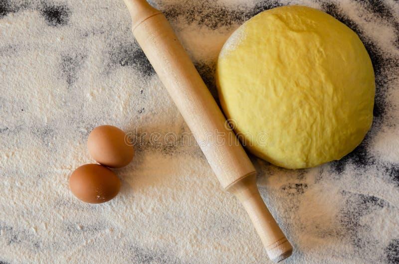 Pasta e matterello immagini stock libere da diritti