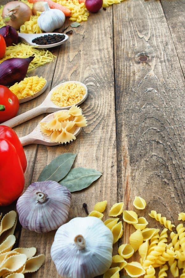 Pasta e verdure immagine stock
