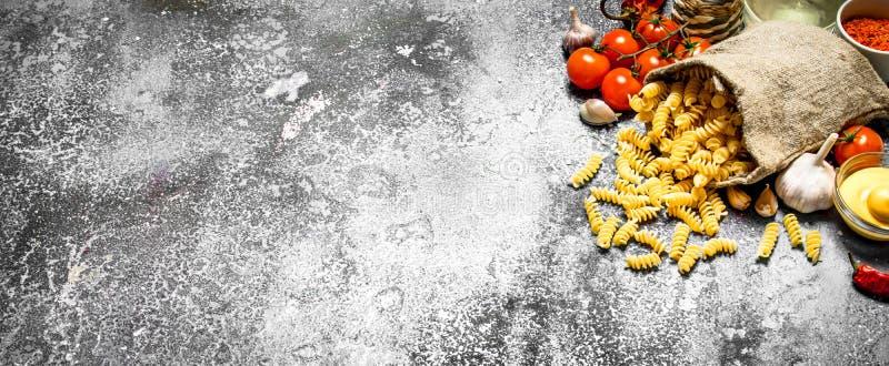 Pasta i påse med grönsaker fotografering för bildbyråer