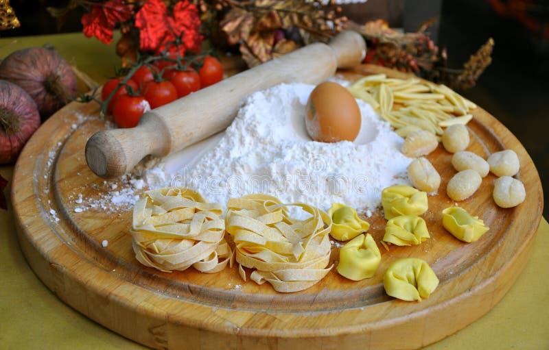 Pasta italiana dell'alimento fotografia stock
