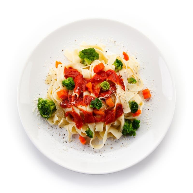 Pasta med färgrika grönsaker arkivfoton