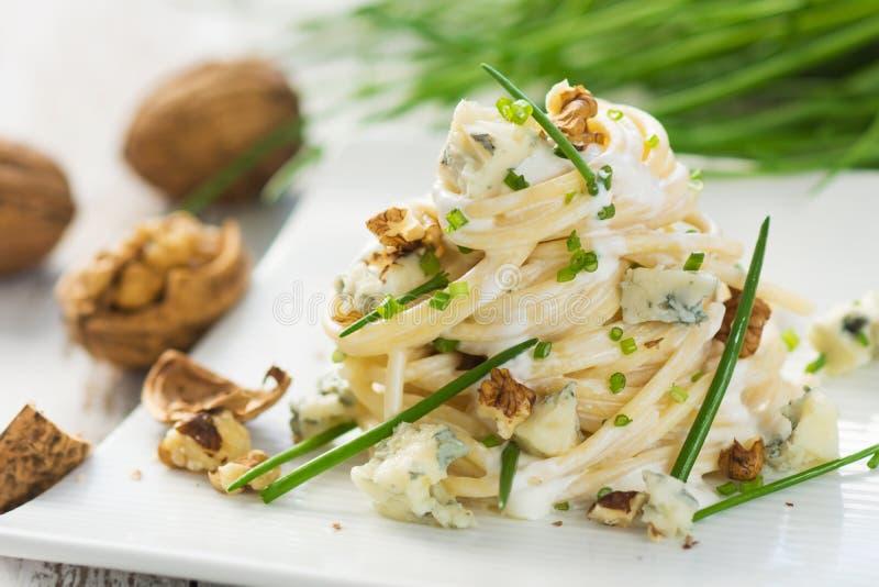 Pasta med gorgonzola arkivbild