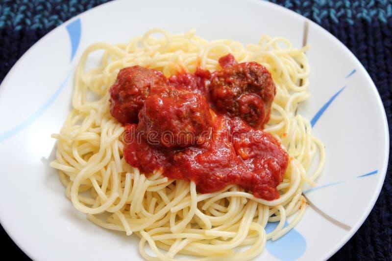 Pasta med meatballs arkivbilder