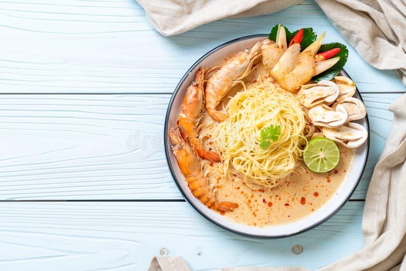 pasta piccante degli spaghetti dei gamberetti (Tom Yum Goong immagine stock libera da diritti