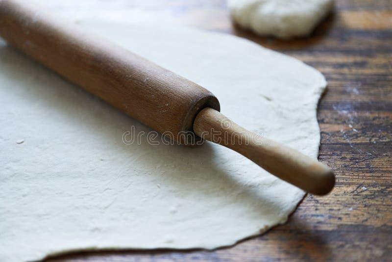 Pasta y rodillo fotografía de archivo libre de regalías