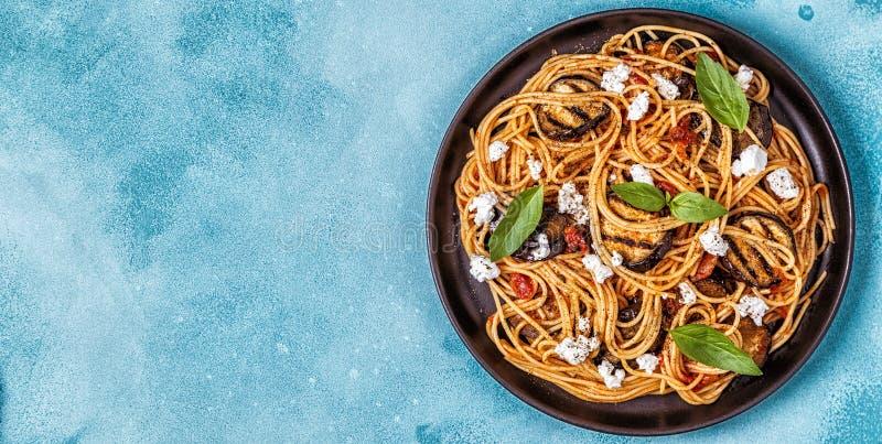 Pastaalla Norma - traditionell italiensk mat fotografering för bildbyråer