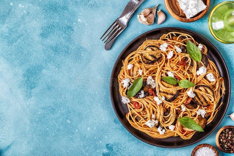 Pastaalla Norma - traditionell italiensk mat arkivbilder