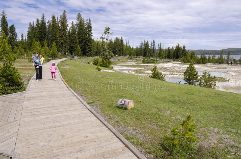 Pastagem, lagos e rios no parque nacional de Yellowstone fotografia de stock