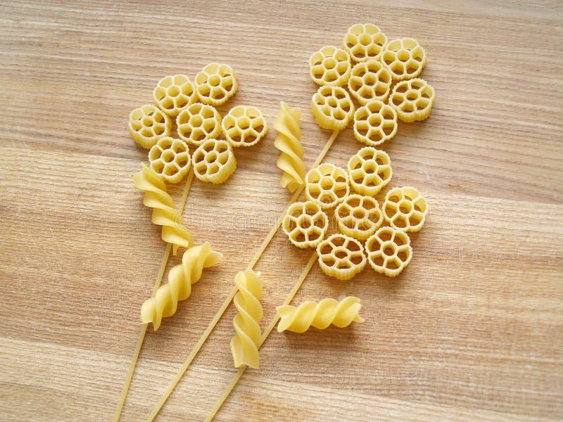 Download Pastas imagen de archivo. Imagen de cesta, pastas, macarrones - 41902231