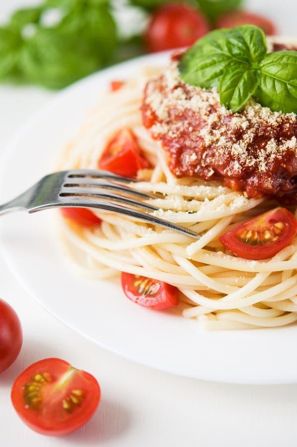 Pastas con el tomate y el queso foto de archivo libre de regalías