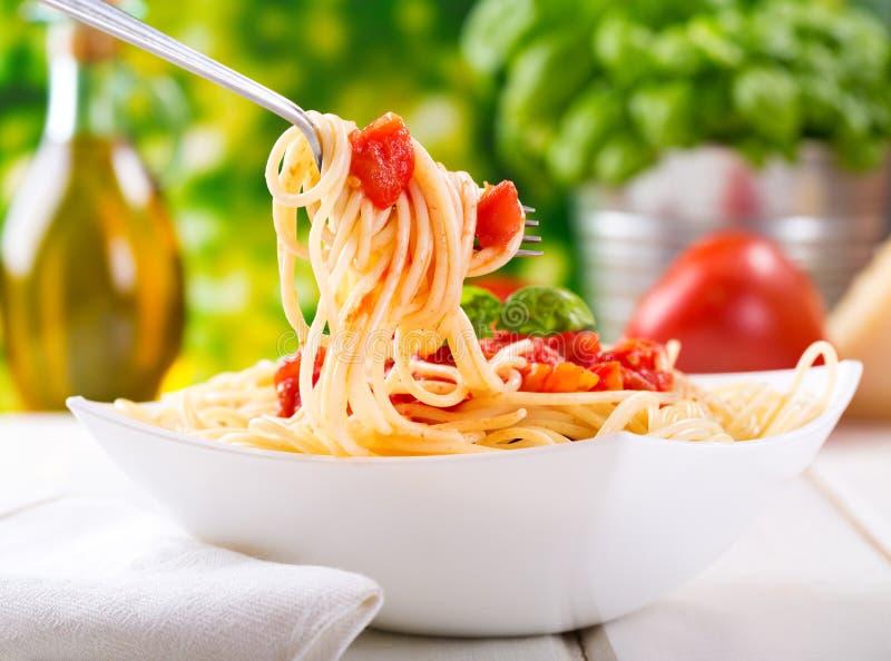 Download Pastas Con La Salsa De Tomate Imagen de archivo - Imagen de vehículo, pastas: 42445817