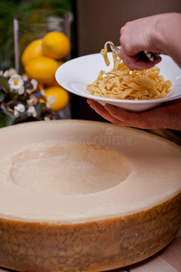 Pastas con queso fotos de archivo libres de regalías