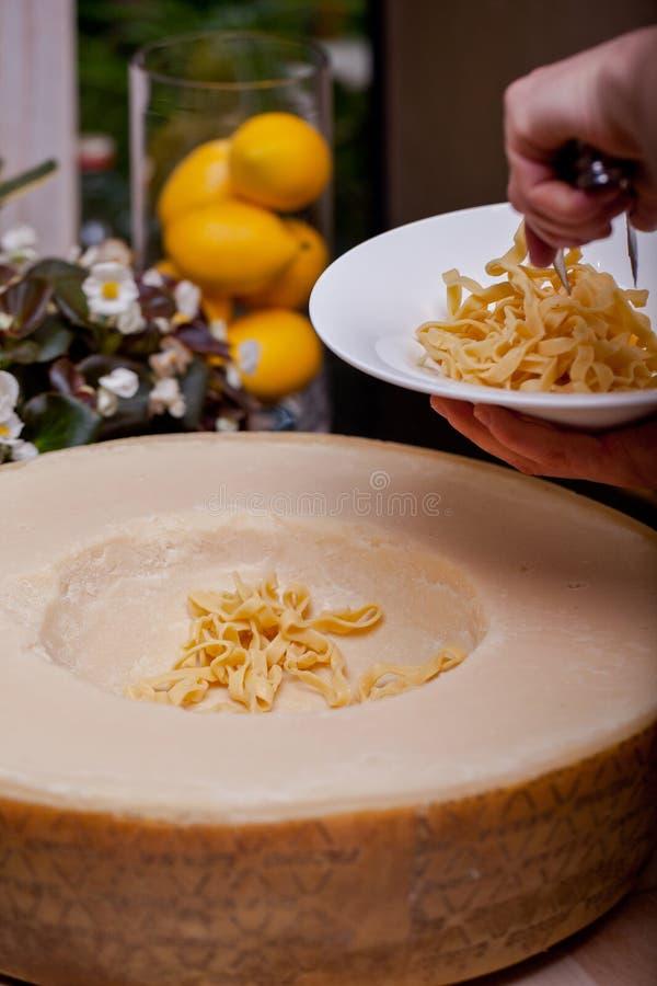 Pastas con queso fotos de archivo