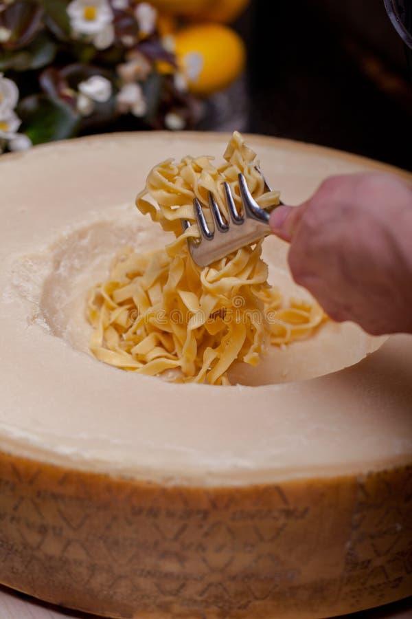 Pastas con queso foto de archivo libre de regalías