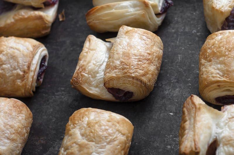 Pastas de hojaldre frescas imagen de archivo libre de regalías