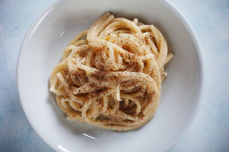 Pastas italianas de los espaguetis del pepe del cacio e imagen de archivo libre de regalías