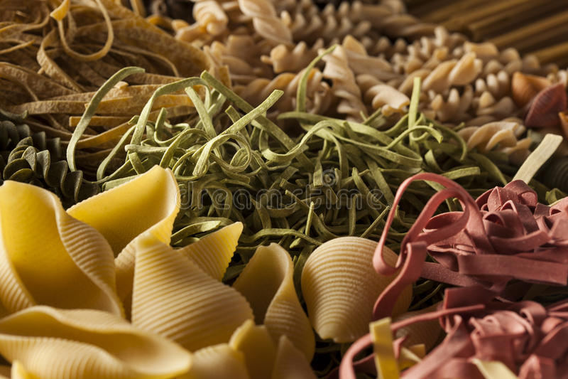 Pastas italianas secas hechas en casa clasificadas fotografía de archivo