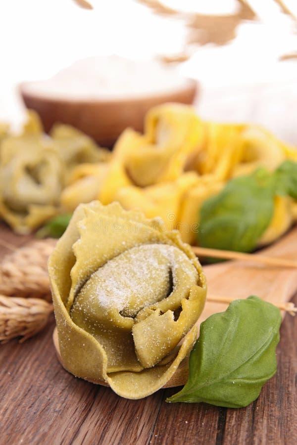 Pastas italianas, tortellini imagen de archivo