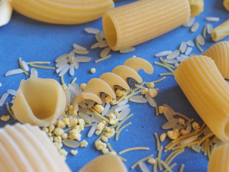Pastas italianas tradicionales imagenes de archivo