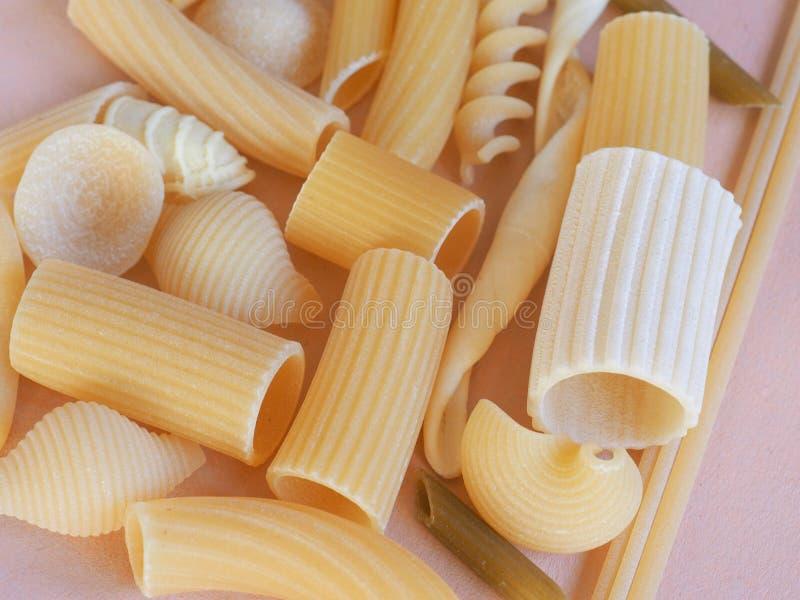 Pastas italianas tradicionales fotos de archivo libres de regalías