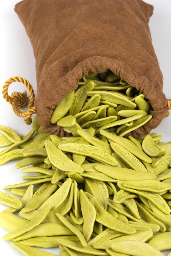 Download Pastas Italianas Vaciadas Del Bolso Foto de archivo - Imagen de comestible, pastas: 44855372