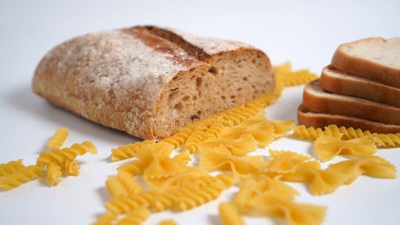Pastas y pan Productos de la harina de trigo con el gluten fotografía de archivo libre de regalías