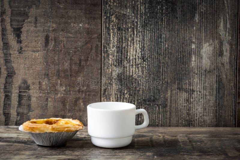 ` Pasteis De Nata ` Typowy Portugalski jajeczny custard tarta obraz royalty free