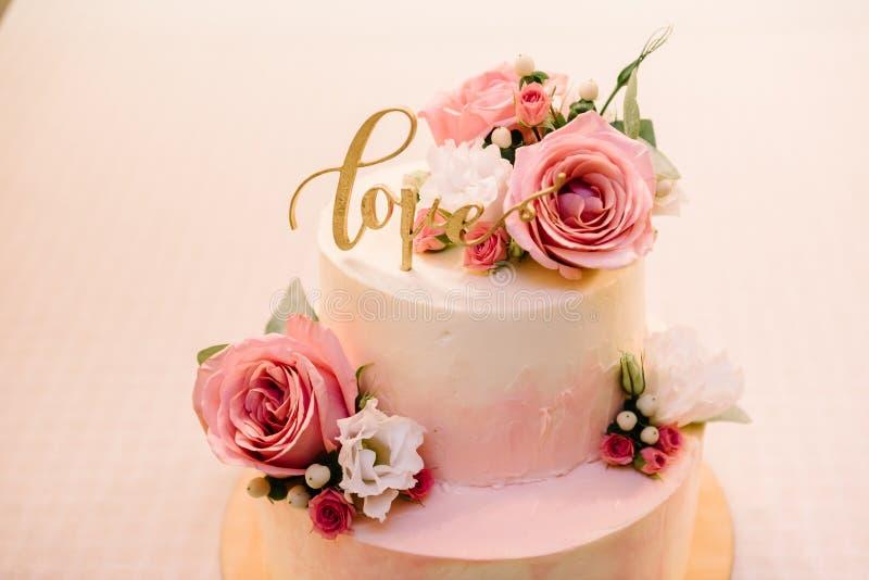 Pastel de bodas, torta para una boda imágenes de archivo libres de regalías