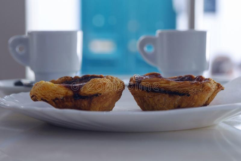 Pastel de Nata PASTEIS DE NATA - los pasteles portugueses populares famosos tradicionales fotografía de archivo