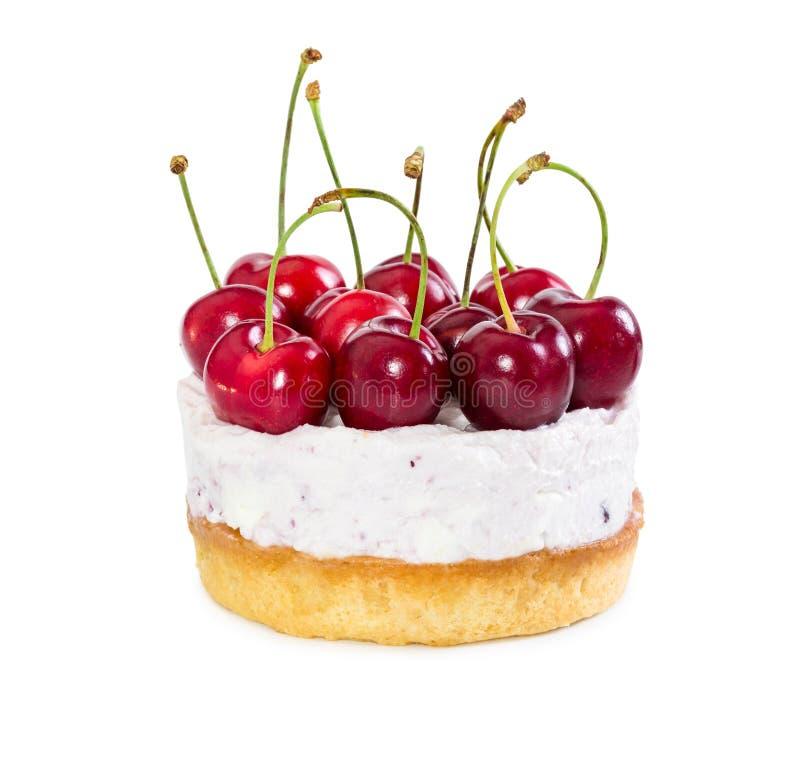 Pastel de queso con las cerezas dulces frescas imagenes de archivo