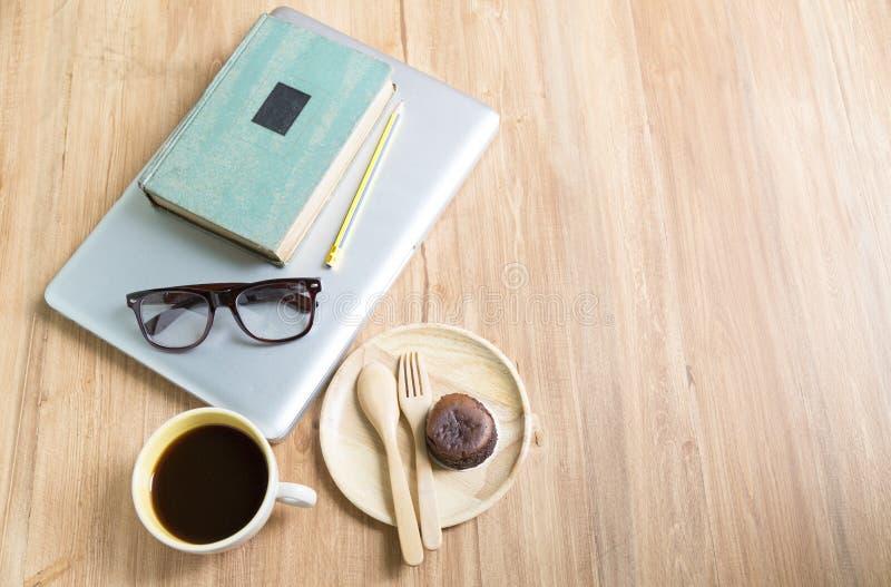 Pastel de queso de Hokkaido con la taza de café fotografía de archivo libre de regalías