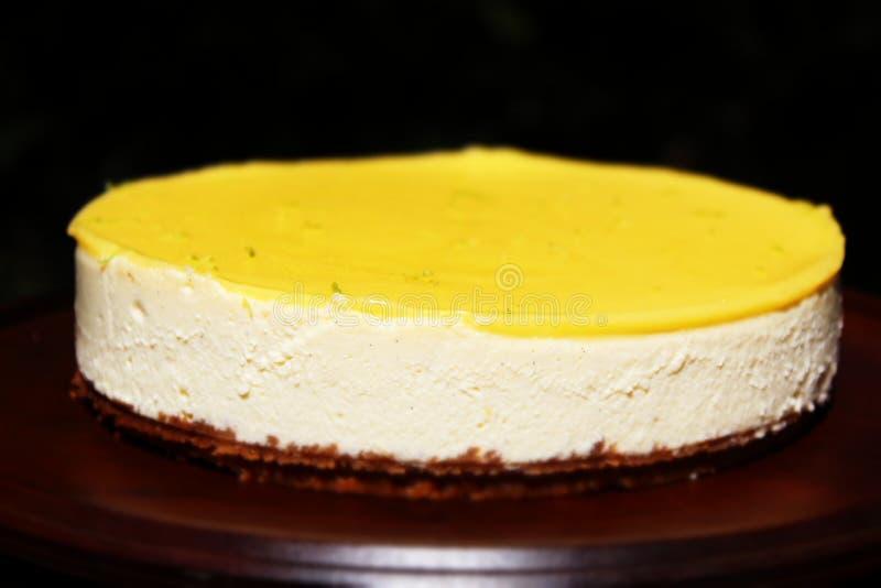 Pastel de queso del limón foto de archivo libre de regalías