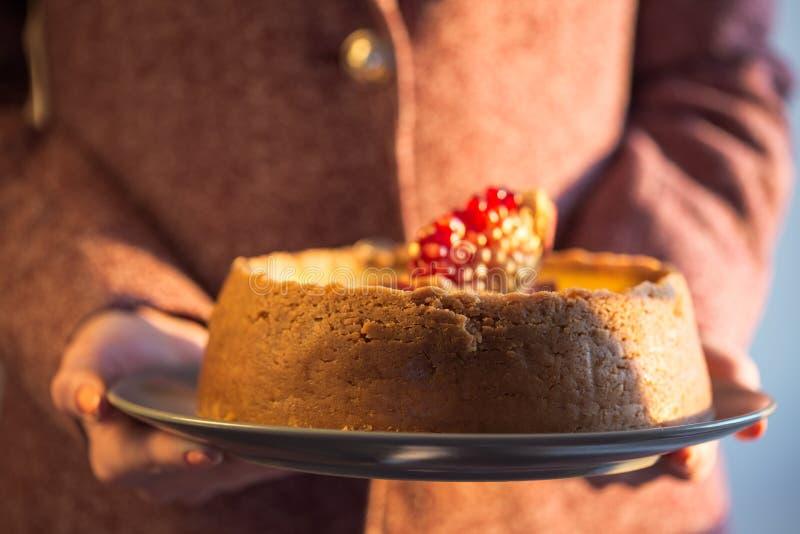 Pastel de queso de la naranja de la Navidad Receta tradicional de la torta del invierno del pastel de queso festivo de la Navidad imagen de archivo