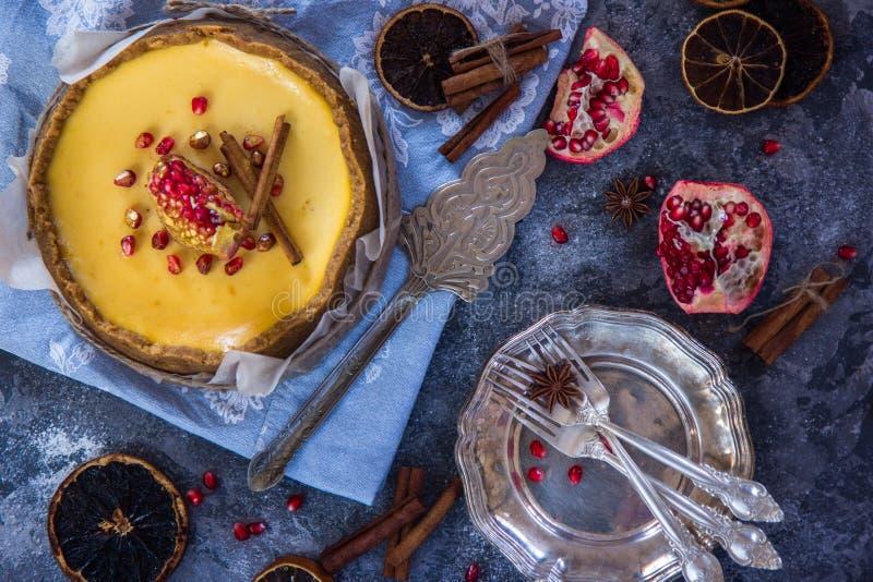 Pastel de queso de la naranja de la Navidad Receta tradicional de la torta del invierno del pastel de queso festivo de la Navidad imagen de archivo libre de regalías