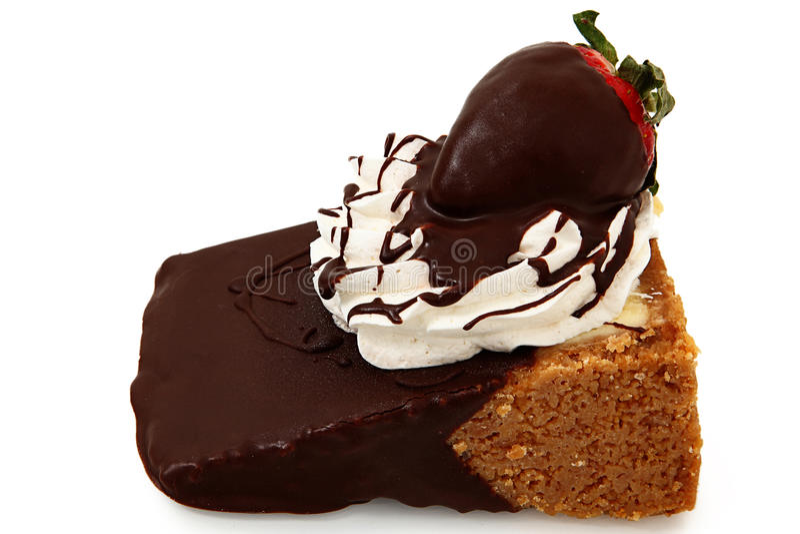 Pastel de queso y fresa sumergidos chocolate imagen de archivo libre de regalías